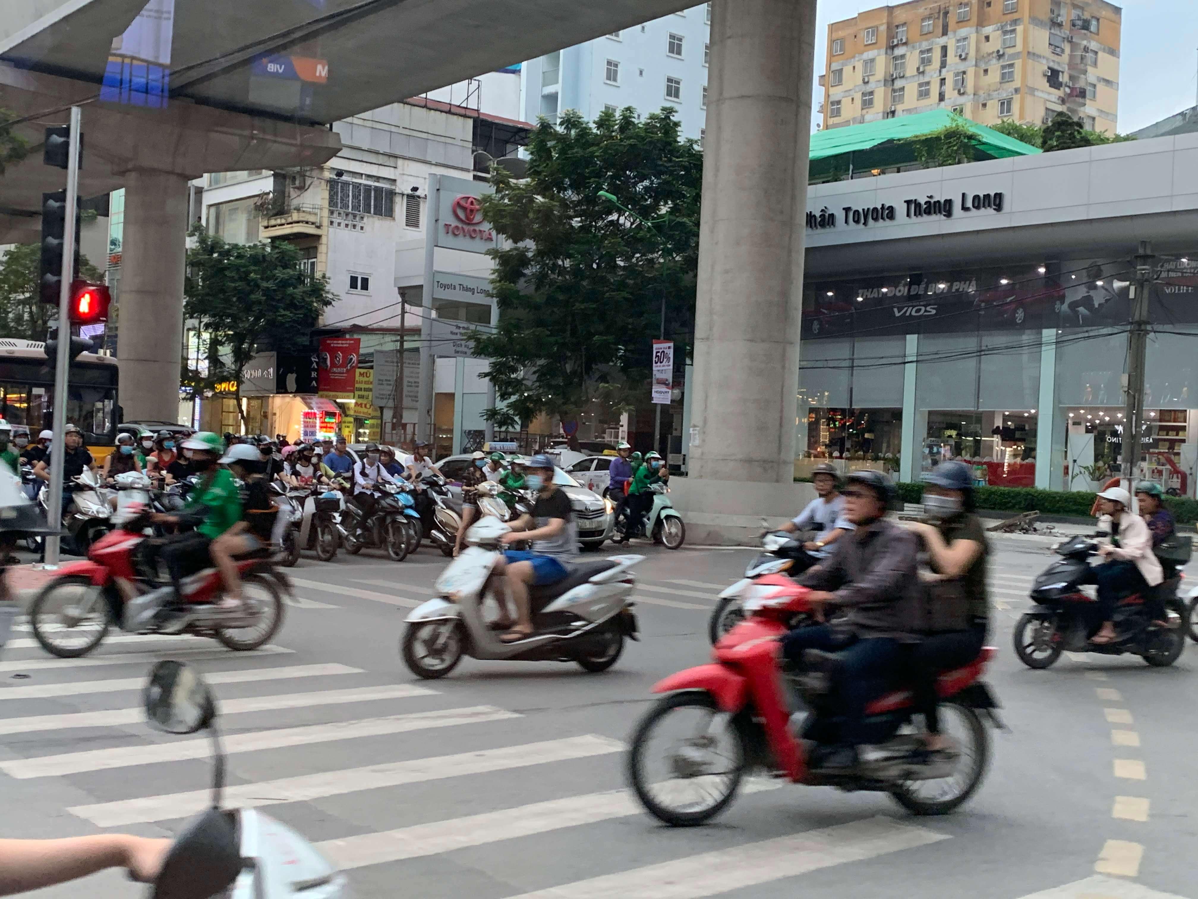 ベトナム(ハノイ)の製造業を視察して